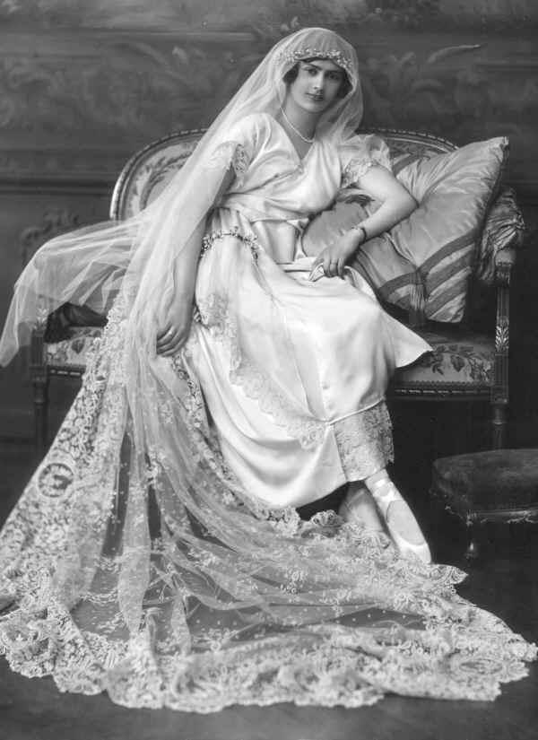 wedding-dress-1920