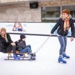 Dukai Regináék súlyos betegségből gyógyult gyerekekkel jégkorongoztak
