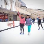Rubint Réka lányával együtt tartott korcsolyás edzést