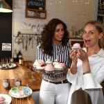Radics Gigi és Iszak Eszti felcsapott sütikészítőnek
