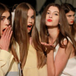 A GLAMOUR Women of the Year divattervezőinek öltözködési tanácsai